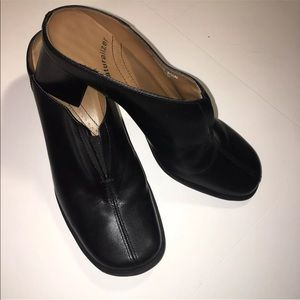 Naturalizer Black Leather Slip On Shoe Size  6.5